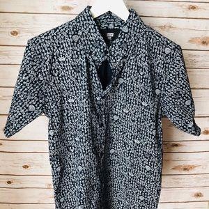 Other - Short sleeve button down shirt